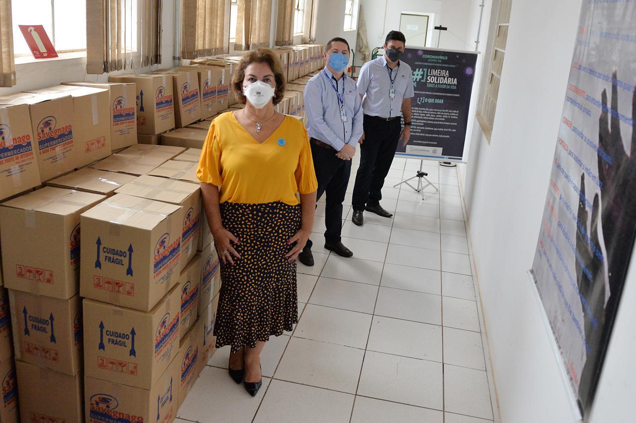 Limeira Solidária recebe 200 cestas básicas da Rede Savegnago