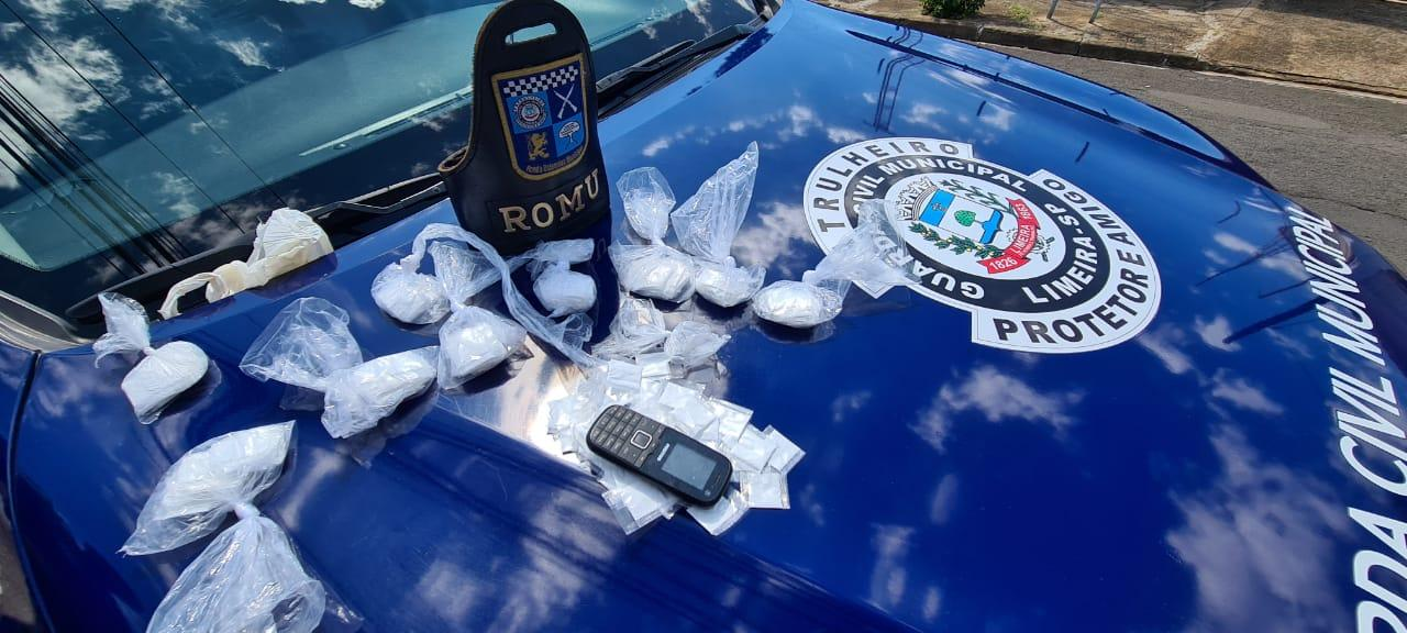 GCM apreende 308 porções de cocaína no Abílio Pedro em Limeira