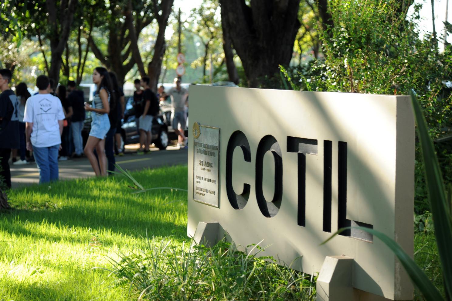 Cotil realiza concurso público para contratar professores temporários