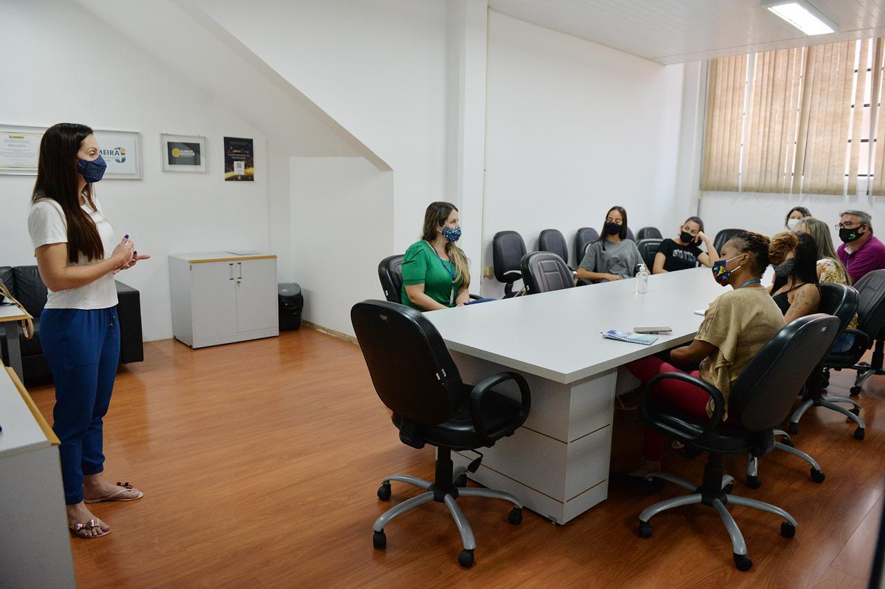 Concluída capacitação de servidores do 156 sobre violência contra a mulher