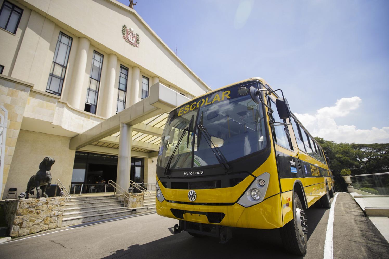 Educação SP entrega ônibus escolares a 11 municípios paulistas