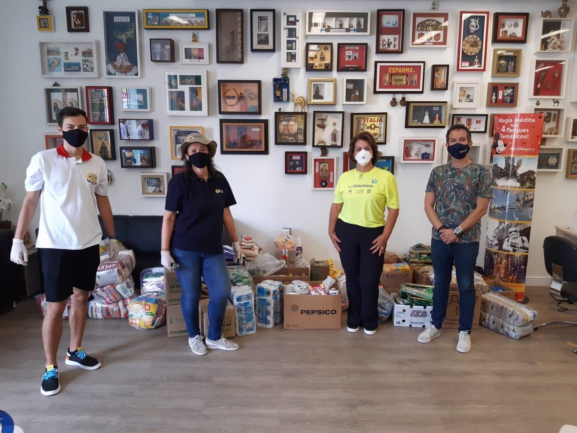 Drive-thru solidário em Limeira arrecada 2 toneladas de alimentos