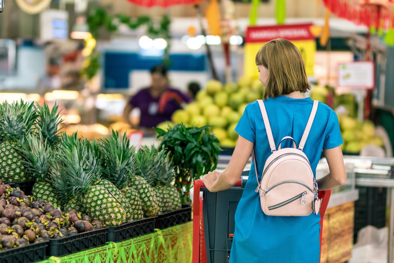 Confira 7 dicas para compras de alimentos e evite o endividamento