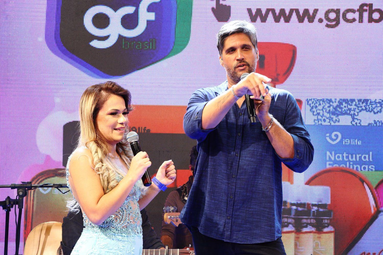 Flavinha Cheirosa e cantor Léo Chaves, comandam Live no Canal do YouTube do Vovô Raul Gil Oficial