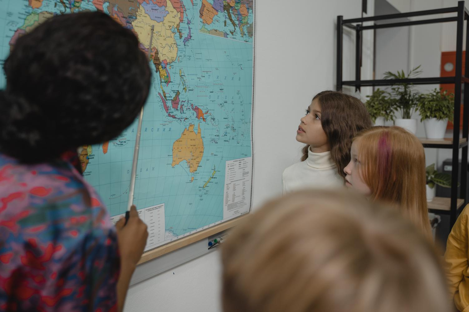 Escolas fazem busca ativa de alunos para combater a evasão escolar