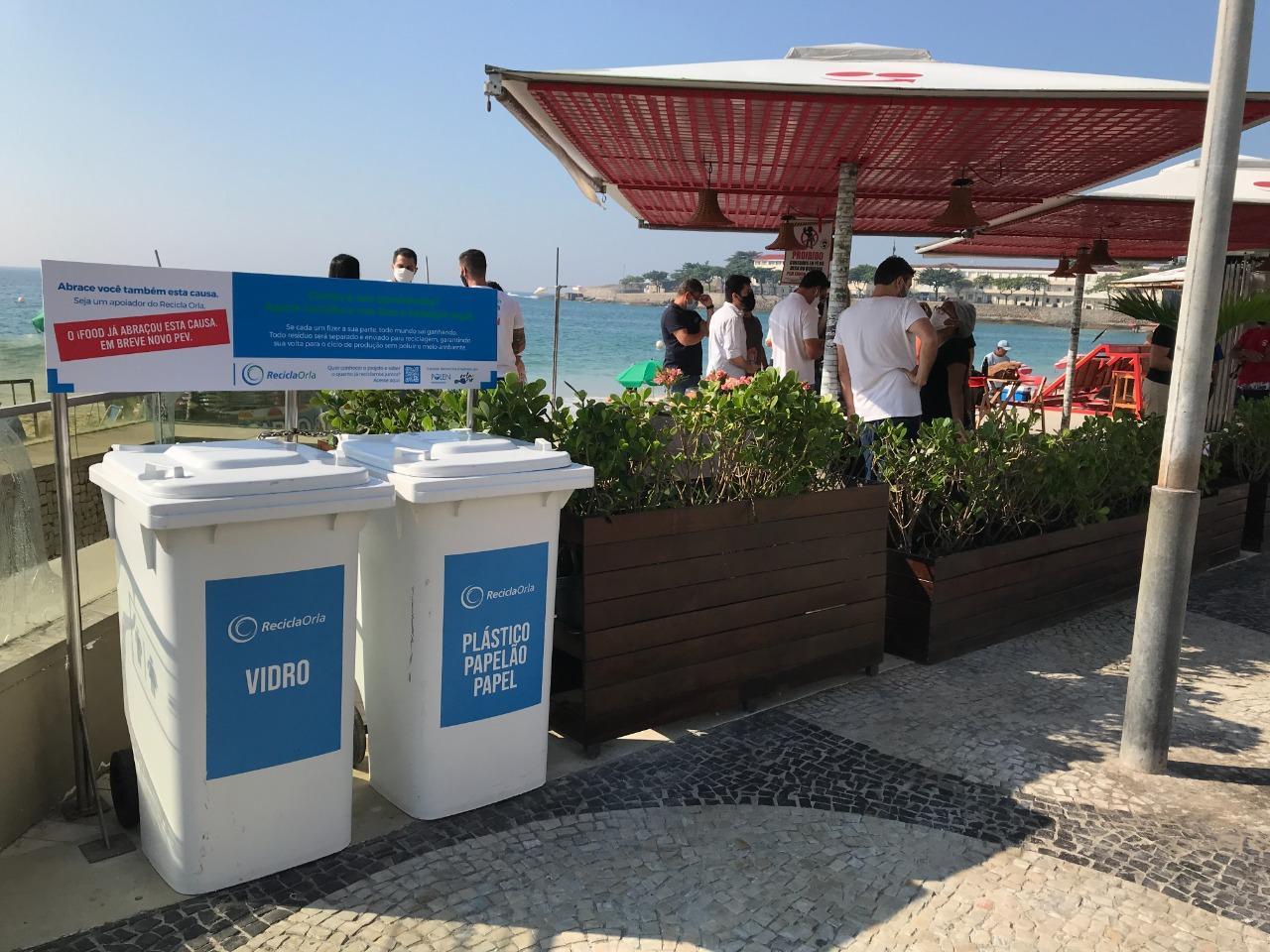 Recicla Orla coleta cerca de 100kg de resíduos recicláveis em ação nesta sexta em Copacabana