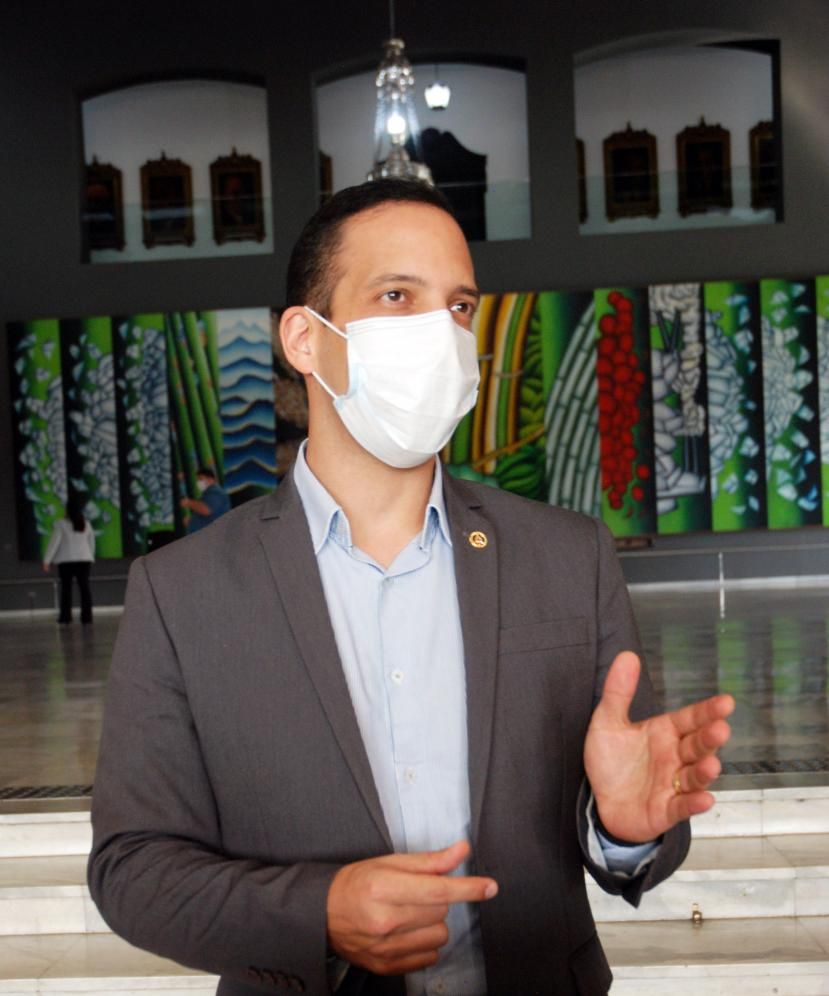 Murilo Félix busca recursos para uso de capacetes Helmets nos hospitais públicos