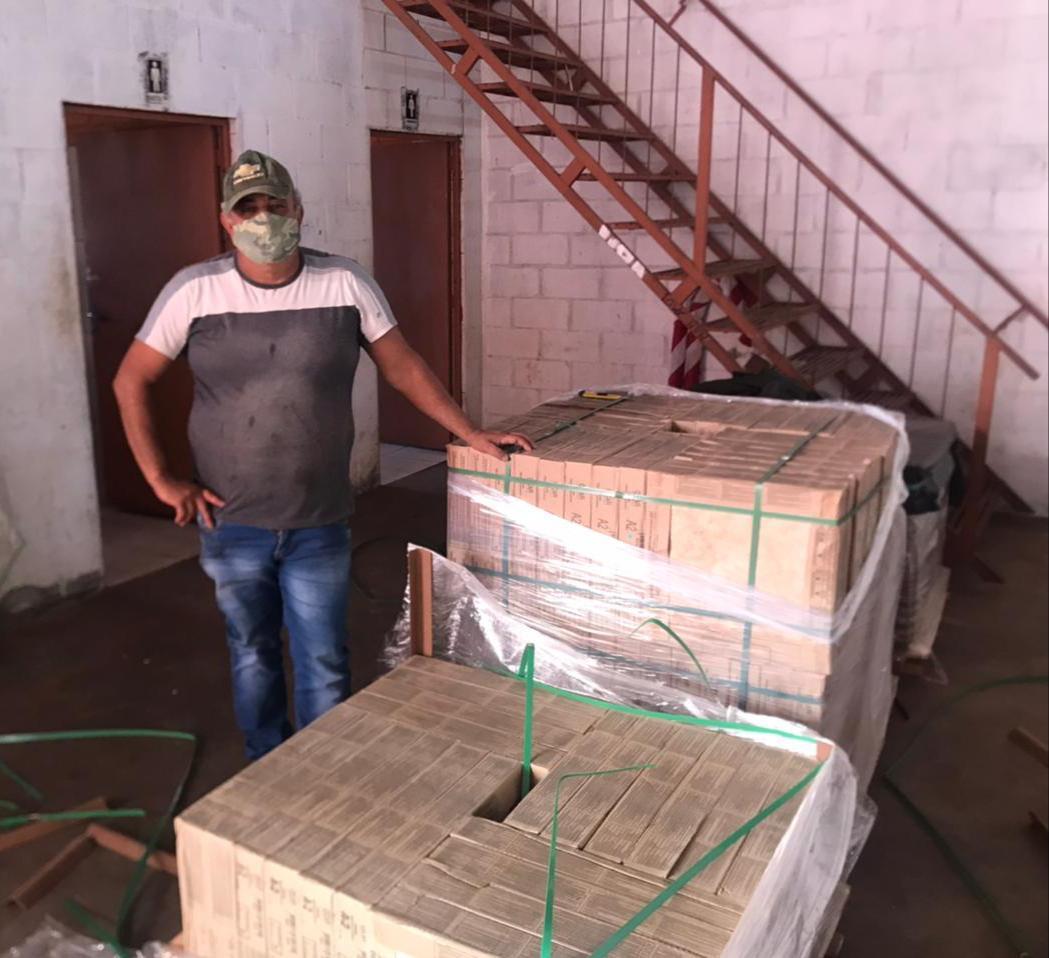 Famílias do Programa Meu Pedaço de Chão recebem doação de materiais para a construção