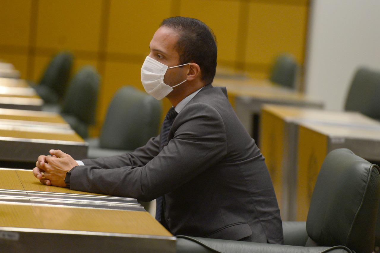 Murilo Félix vota favorável à isenção de imposto para materiais usados no tratamento contra Covid