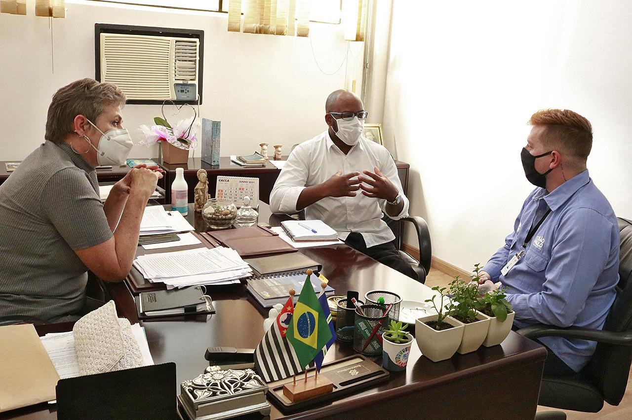 Vice-prefeita de Limeira discute políticas públicas voltadas para deficientes