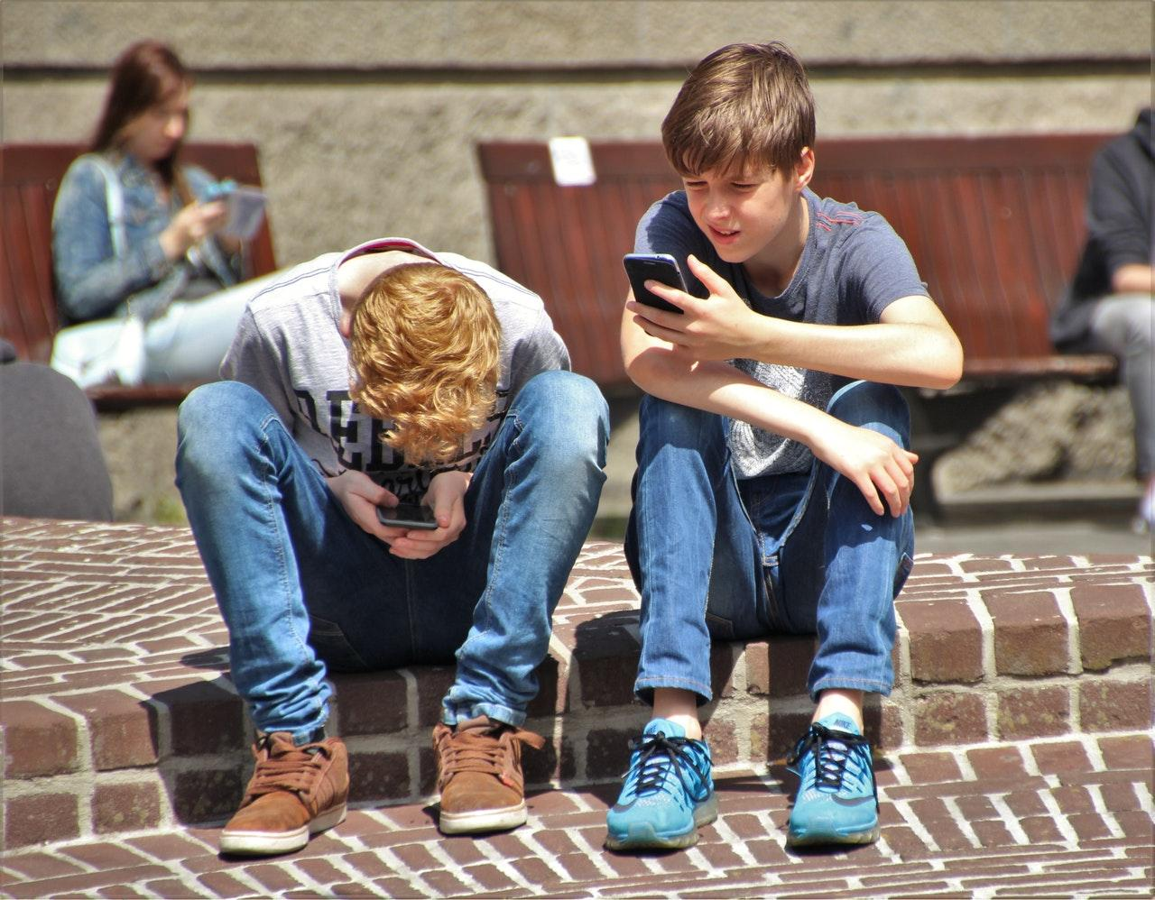 Jovens revelam quais são os assuntos que mais preocupam nas redes sociais