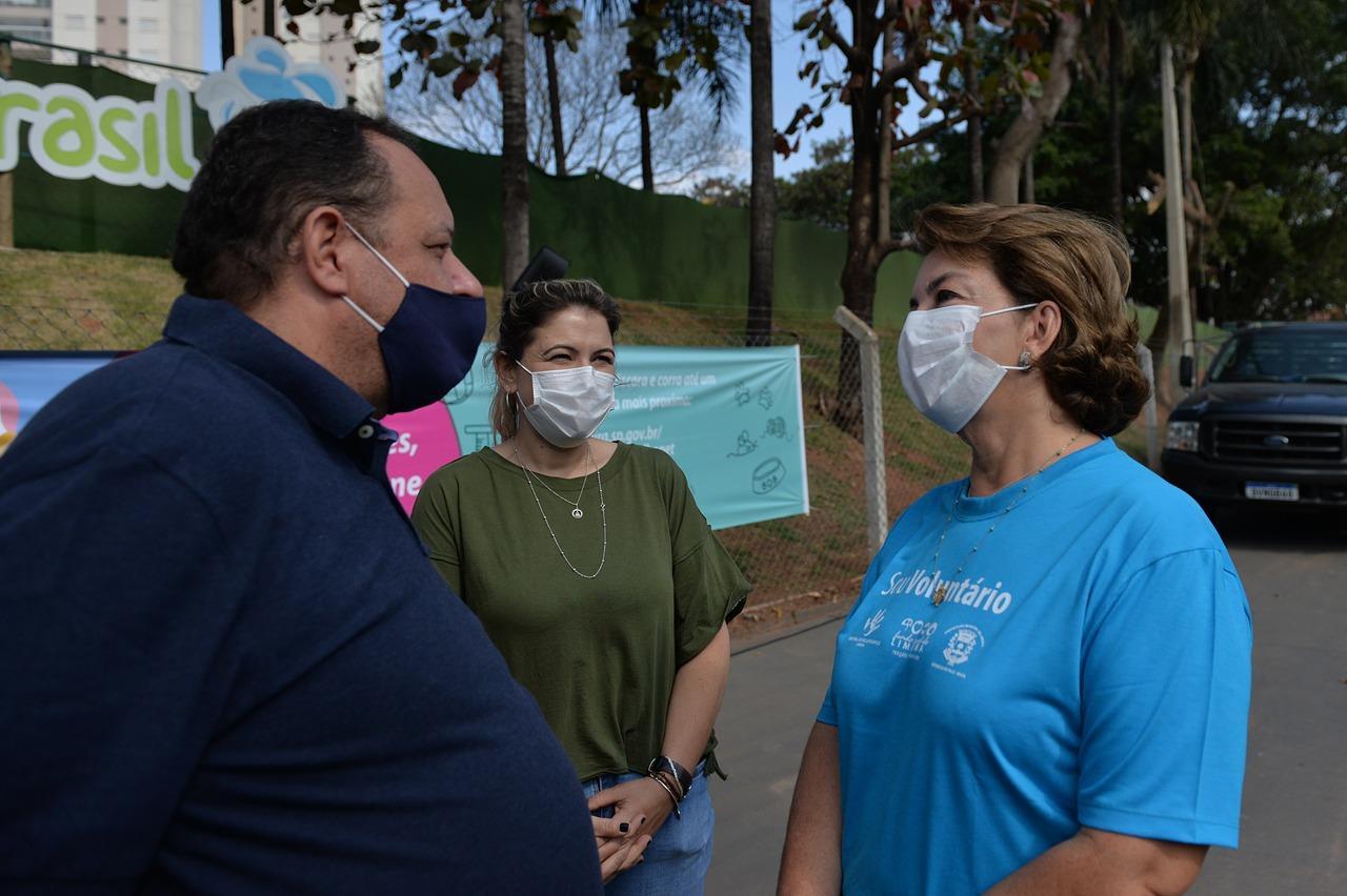 Roberta Botion recebe doações da WestFarm
