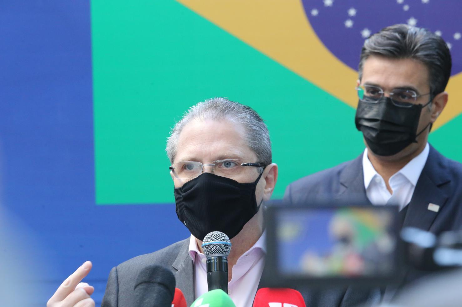 SP entrega mais 1 milhão de vacinas do Butantan ao Brasil