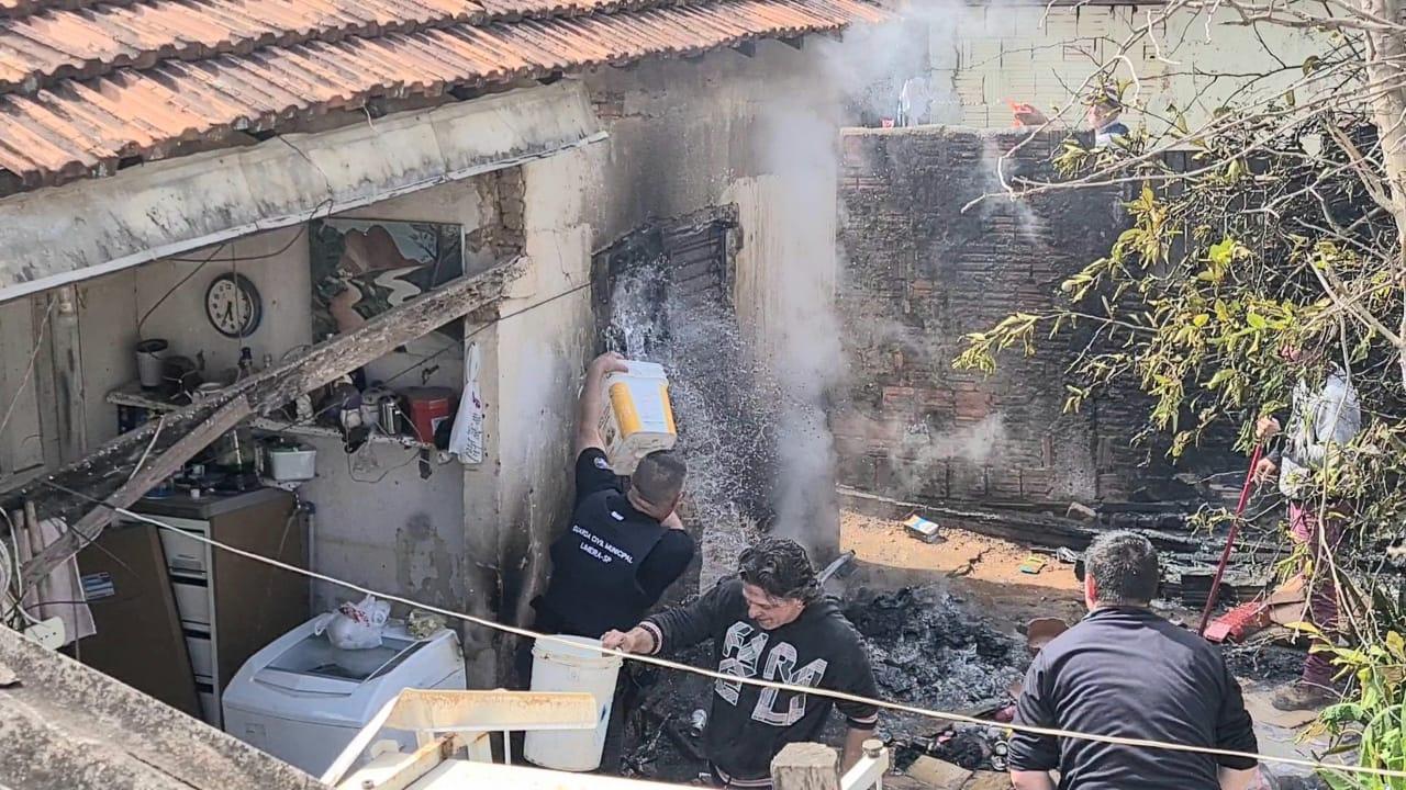 Após intervenção rápida da GCM, Corpo de Bombeiros apaga princípio de incêndio