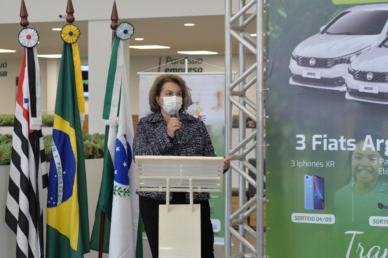 Roberta Botion é madrinha de campanha em prol a entidades