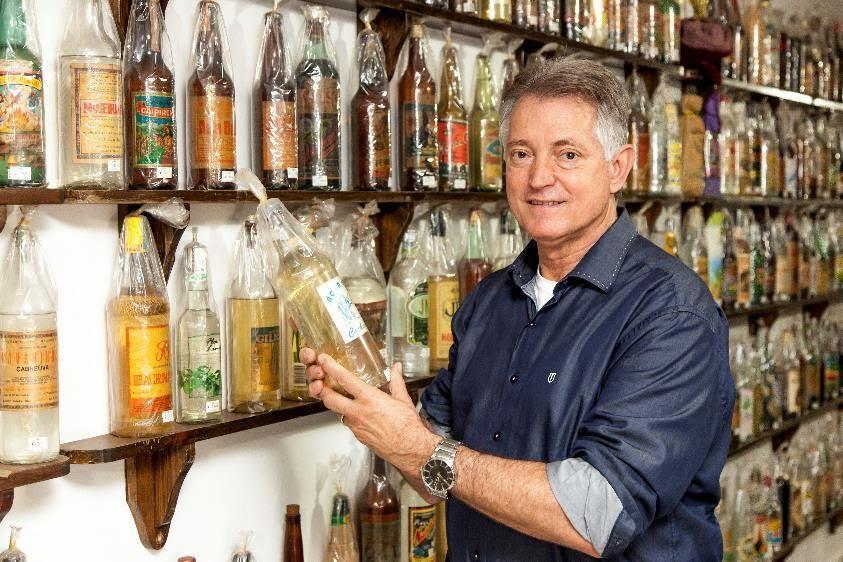 Delfino Golfeto, fundador da Água Doce, explica como avaliar uma boa cachaça de alambique