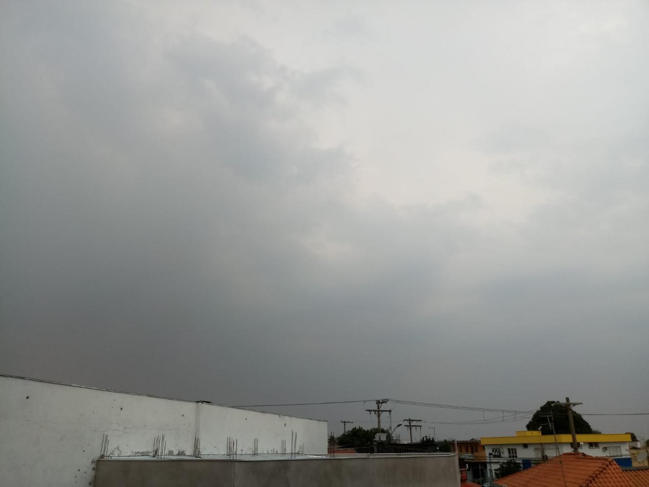 São Paulo com ar abafado e pancadas de chuva nesta quinta