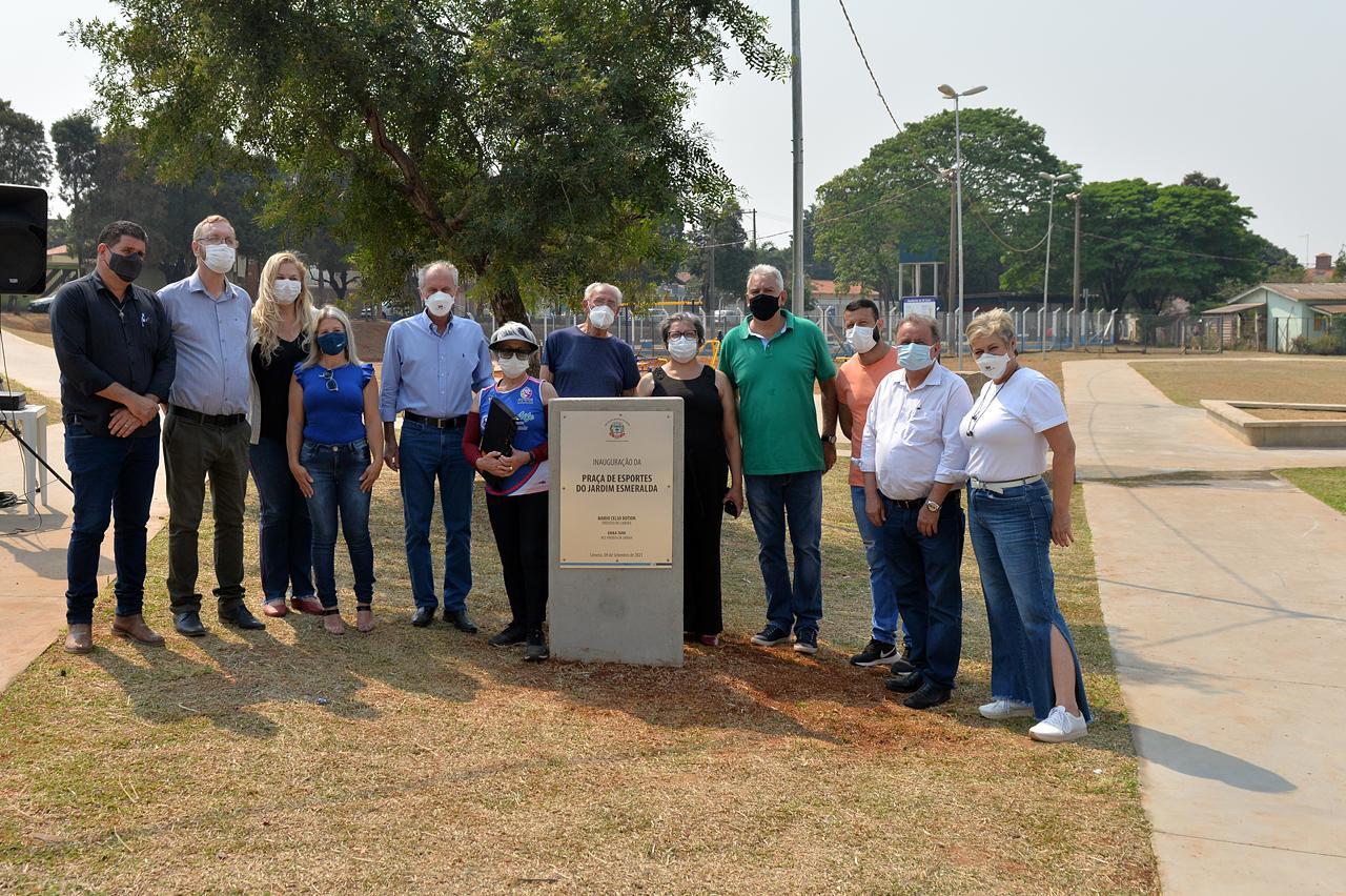 Prefeito de Limeira entrega Praça de Esportes do Jd. Esmeralda