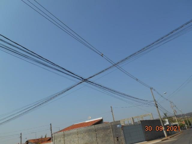 Prefeitura de Cordeirópolis pede a retirada de fios soltos na rede de energia